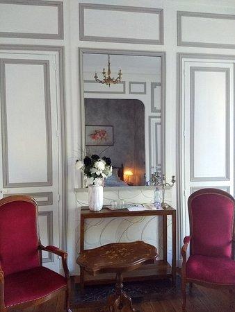 Chateau des Marronniers Picture