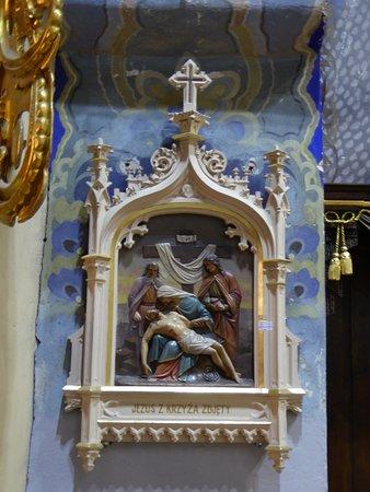 Uniejow, Polônia: Church Art