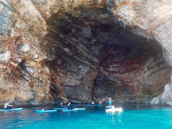 Bonaona Mallorca - Surf School & Surf Cafe Bar : Stand Up Paddle Tour caves
