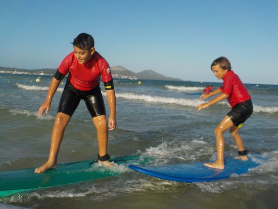 Bonaona Mallorca - Surf School & Surf Cafe Bar : Surf lessons mallorca 2018