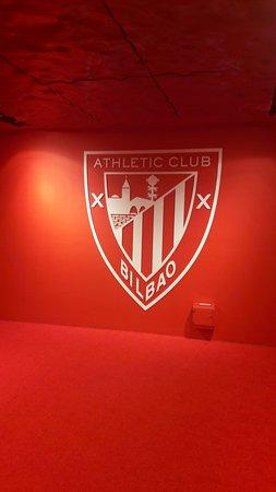 San Mames Stadium: escudo