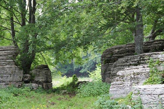 Valle delle sfingi: 03/06/18; Spiraglio tra sfingi.