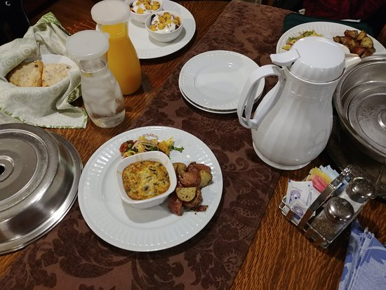 A G Thomson House Bed and Breakfast : Food. Kesh, OJ and parfeit.