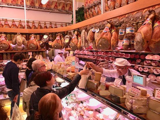 Taste Bologna - Bologna Food Tour: The best regional meats
