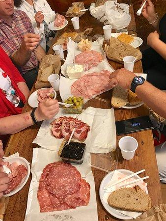 Taste Bologna - Bologna Food Tour: Our movable picnic feast
