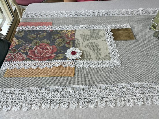 Restaurant Shtastliveca: Table cloth