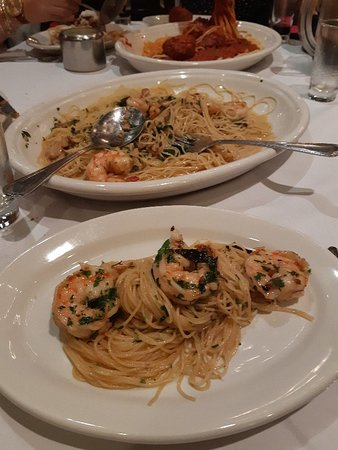 Carmine's Italian Restaurant - Times Square Photo