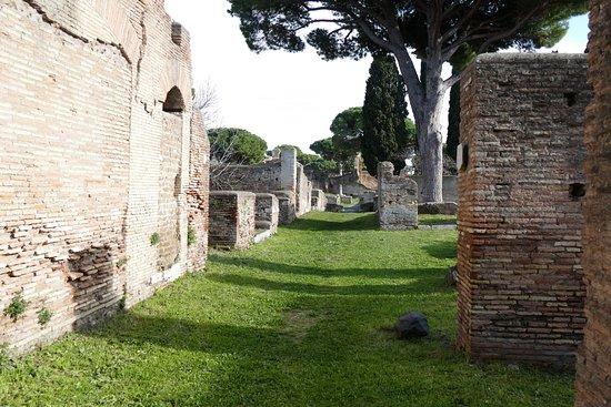 Parco Archeologico di Ostia Antica: Voie