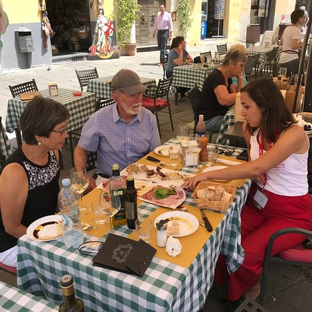 Flavors of Lucca Small Group Tour with Food Tasting and Wine ภาพถ่าย