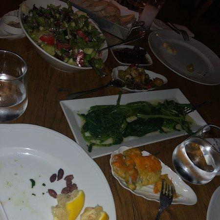 Malades Restaurant Image