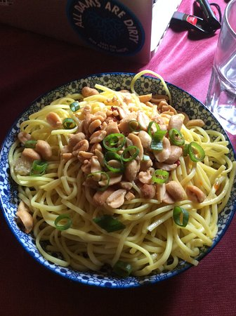 Mao Hunan: Spicy Cold Noodle, the chili oil is underneath