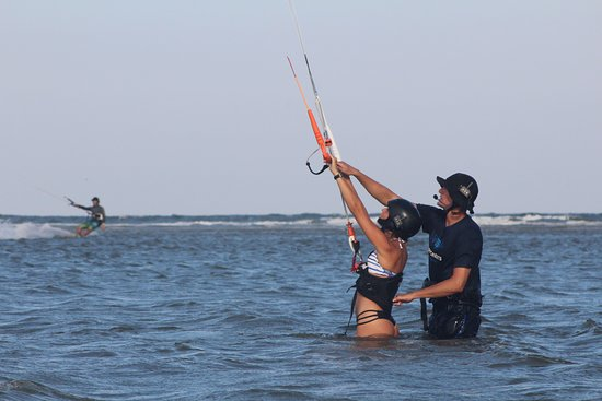 Session Sports: Learn to fully control the kite during our Kite Session Beginner Lesson!
