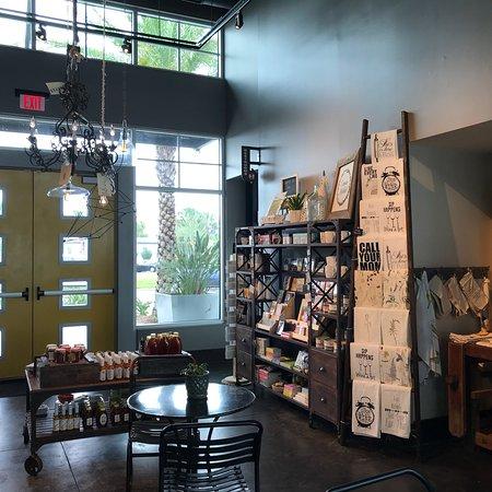 Canvas Restaurant & Market Photo