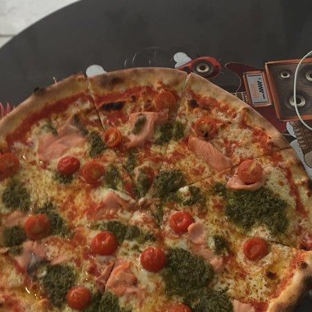 El Pilar de la Mola, Spain: MOLAMIA PIZZA