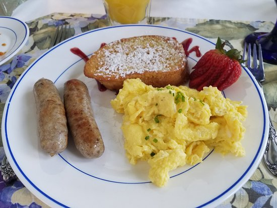 Claremont Inn & Winery : Breakfast - Phase 2
