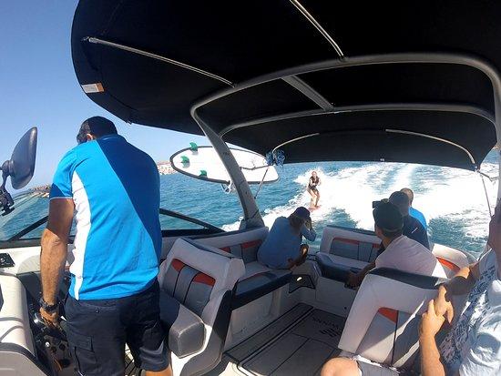 Surf Maspalomas: boat trip and fun wake surf
