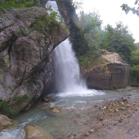 Farindola, Italy: Cascata del Vitello d'Oro