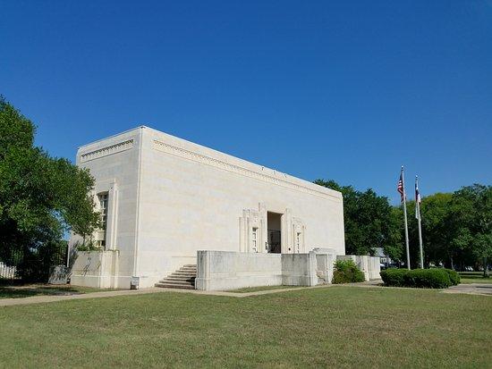 Gonzales Memorial Museum