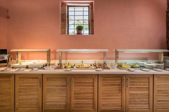 Spilia Village Hotel: breakfast buffet