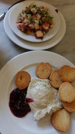 Los Coloniales: Aliño de pulpo y roquefort con mermelada de moras