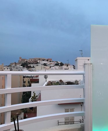 Royal Plaza Hotel: Rooftop view of the Ibiza Castle