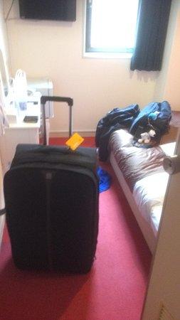 OYO 644 Hotel Art Inn Namba: Single room