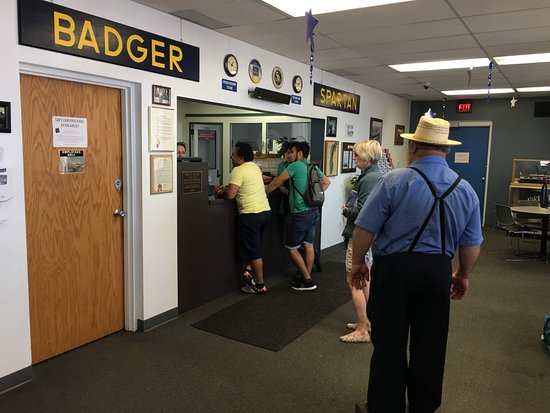 S.S. Badger: Lake Michigan Carferry: Buying tickets.
