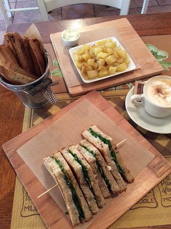 Mi Casa Toasteria - Turro: My Arugala Toast and Potatoes