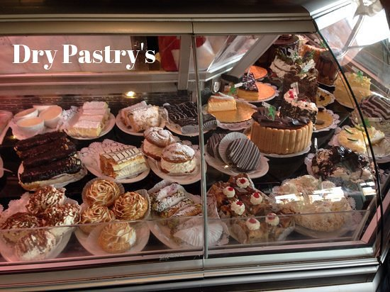 Sherman's Deli & Bakery: A look at the dry pastry's they look great but taste dry!