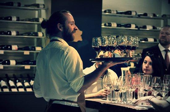 Les Dix Vins: Vino Bar en Las Condes, un muy buens espacio para disfrutar con amigos vinos y quesos franceses