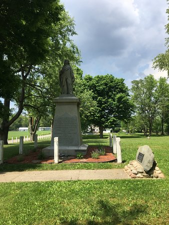 Chief Menominee Monument : Straight forward.