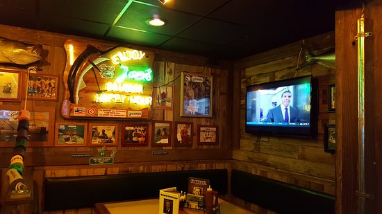 Flanigan's Seafood Bar and Grill: Bar Dining