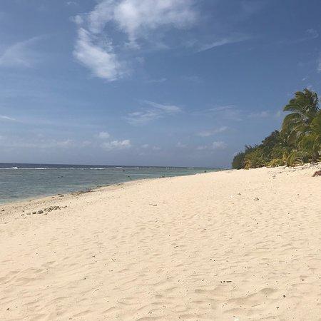The Edgewater Resort & Spa: Beach front