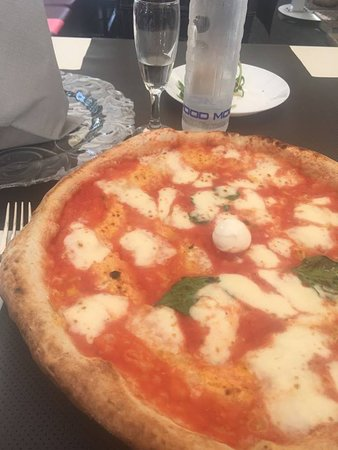 Lucignolo BellaPizza Salerno : Pizza margherita