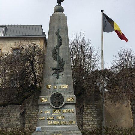 Monument aux morts du 10eme regiment de Ligne