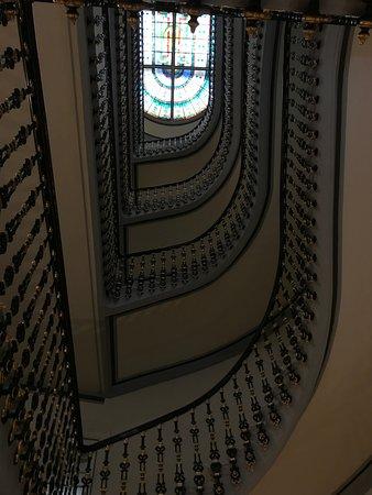 Hotel Avenida Palace: Awesome stairwell!