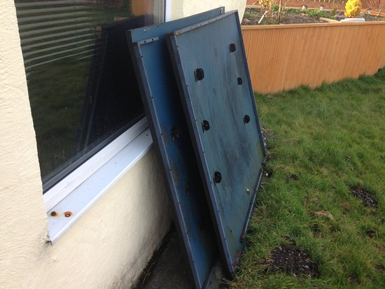 Valley, UK: CAE GLAS, Anglesey - broken table tennis table, bottom of garden