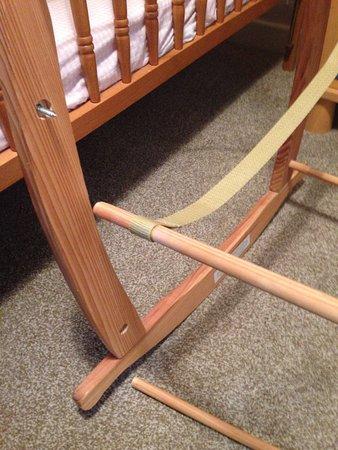 Valley, UK: CAE GLAS, Anglesey - dangerous broken crib 1
