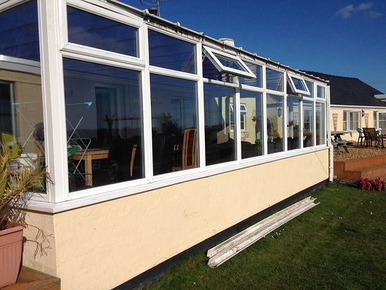 Valley, UK: CAE GLAS, Anglesey - leaking conservatory and guttering broken