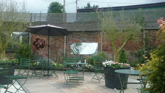 The Secret Garden Cafe张图片