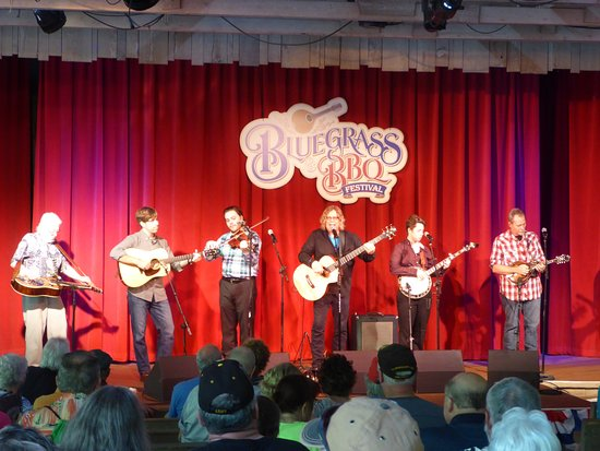 Silver Dollar City: Ray Cardwell and Tennessee Moon