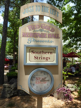 Silver Dollar City: Red Gold Heritage Hall