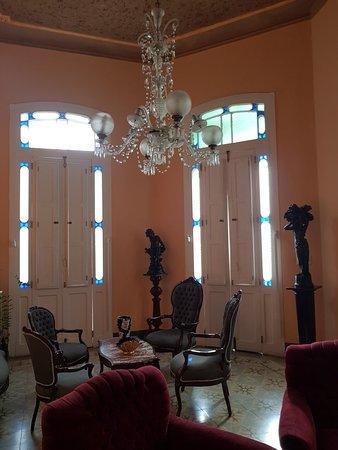 Hostal Chez Nous La Habana Cuba: Salon de Chez Nous