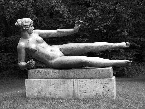 Statue L'Air: L' Air in The Kröller-Müller Museum-Netherlands