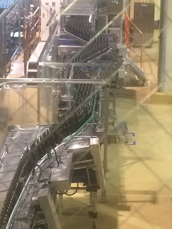 Asahi Breweries Suita Brewery: Bottling machines