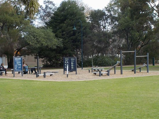 Carnegie, Australia: Exercise equipment
