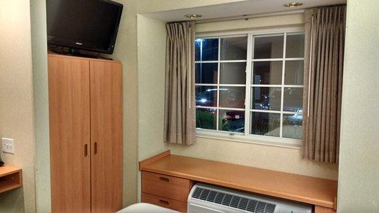 Microtel Inn & Suites by Wyndham Bethel/Danbury: Good aircon