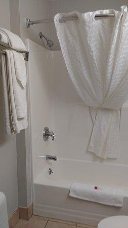 Bethel, CT: Decent shower and bathroom