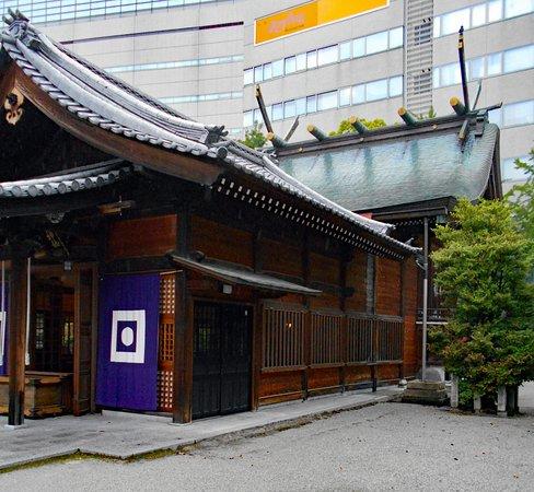 警固神社, 拝殿と本殿