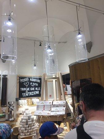 Nino & Friends : Interior da loja